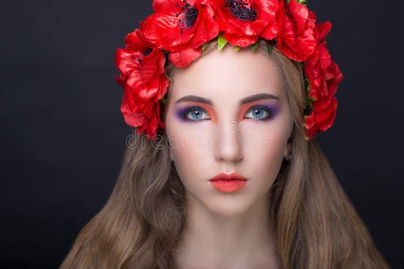 Guirlande rouge de fleurs photos libres de droits