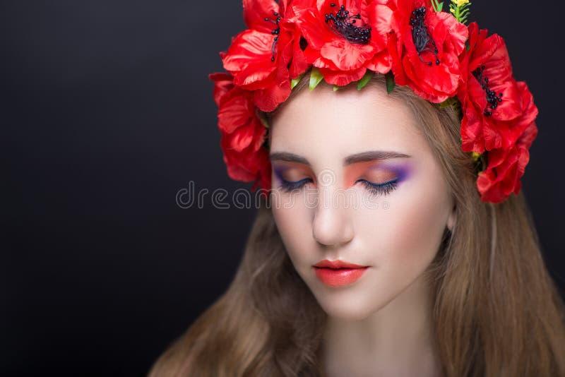 Guirlande rouge de fleurs image stock