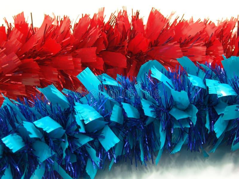 Guirlandes rouges et bleues images libres de droits