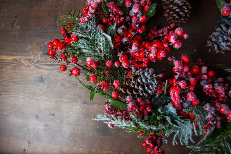 Download Guirnalda De La Navidad Con Las Bayas Foto de archivo - Imagen de baya, festal: 64213354