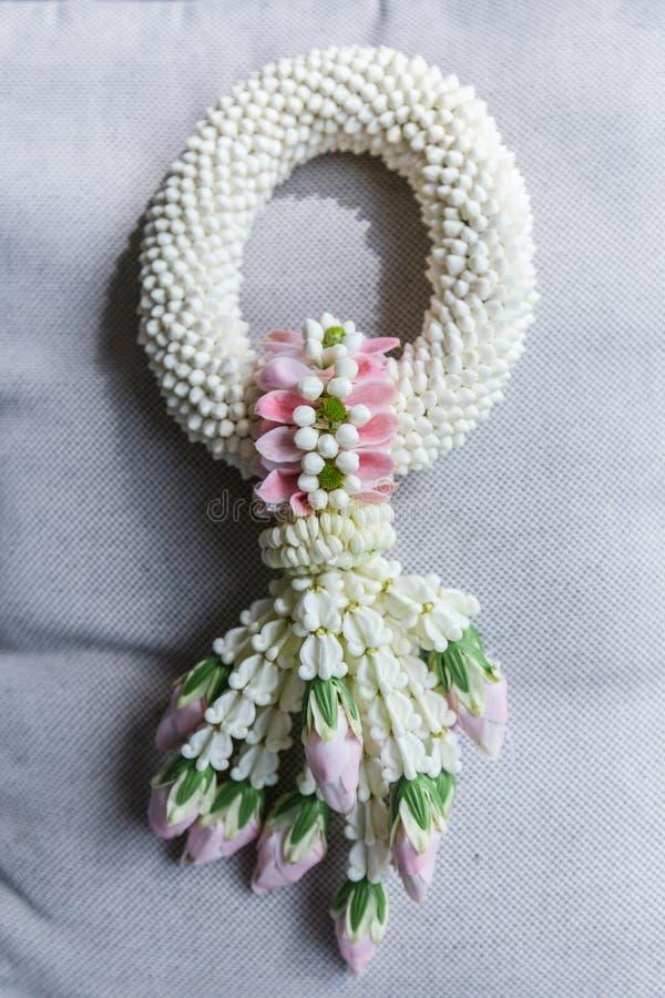 Guirnalda del jazmín, hecha a mano, muestra del día de la madre en Tailandia fotos de archivo libres de regalías