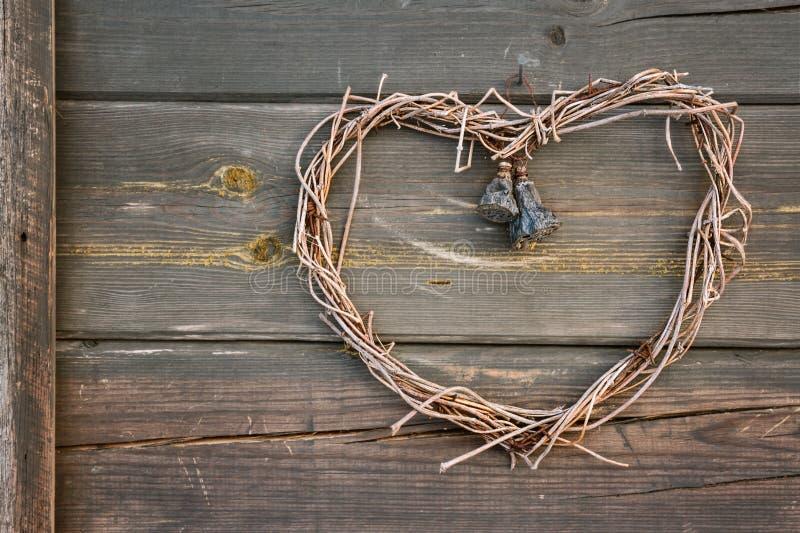 Guirnalda en forma de corazón hecha a mano fotografía de archivo libre de regalías