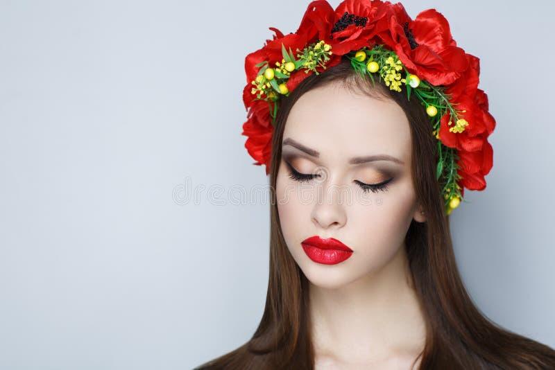 Guirnalda roja de la flor imagen de archivo