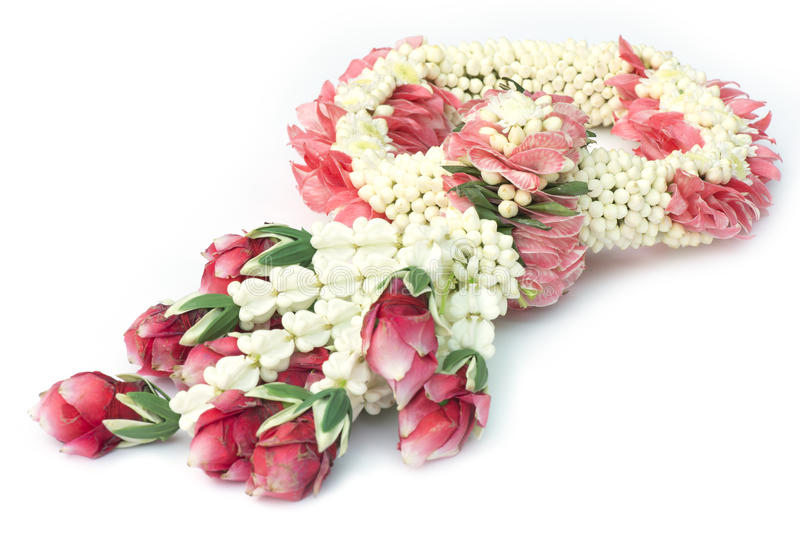 Guirnalda tradicional tailandesa de la flor del arte aislada imagen de archivo libre de regalías