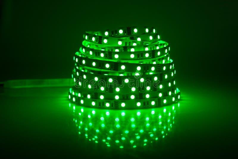 Guirnalda verde del LED que brilla intensamente imagen de archivo libre de regalías