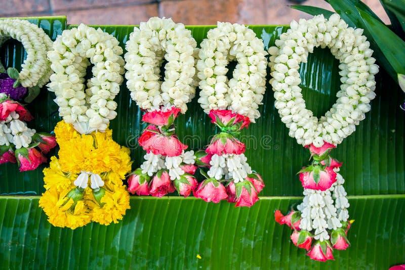 Guirnaldas de la flor imágenes de archivo libres de regalías