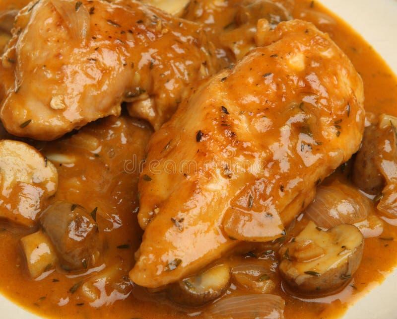 Guisado da caçarola de Chasseur da galinha fotos de stock royalty free