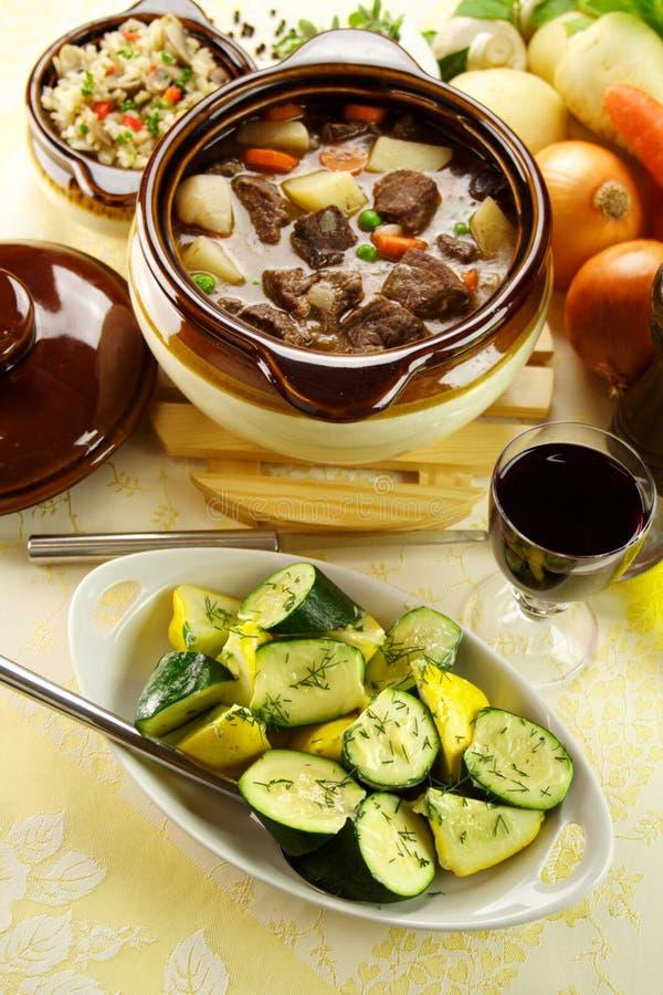 Guisado da carne com Zucchini foto de stock royalty free
