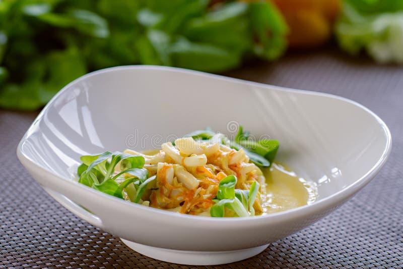 Guisado vegetariano oriental sano con las verduras imagen de archivo libre de regalías