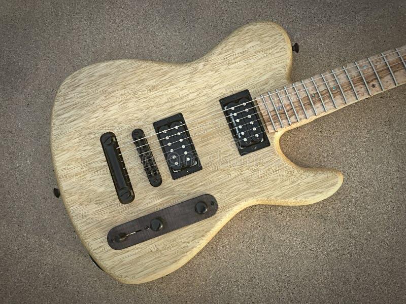 Guitare électrique de style de Korina Tejas T images libres de droits
