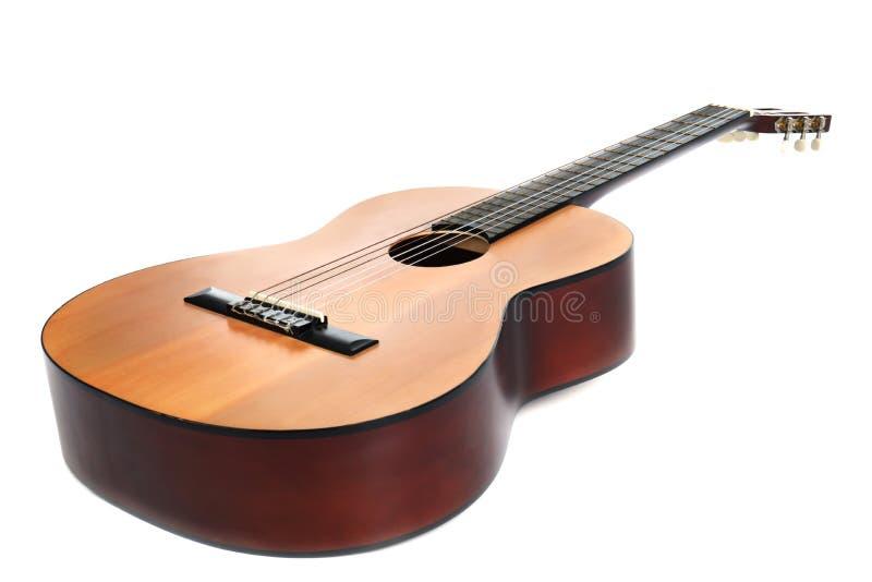 Guitare acoustique sur le fond blanc Instrument musical images libres de droits