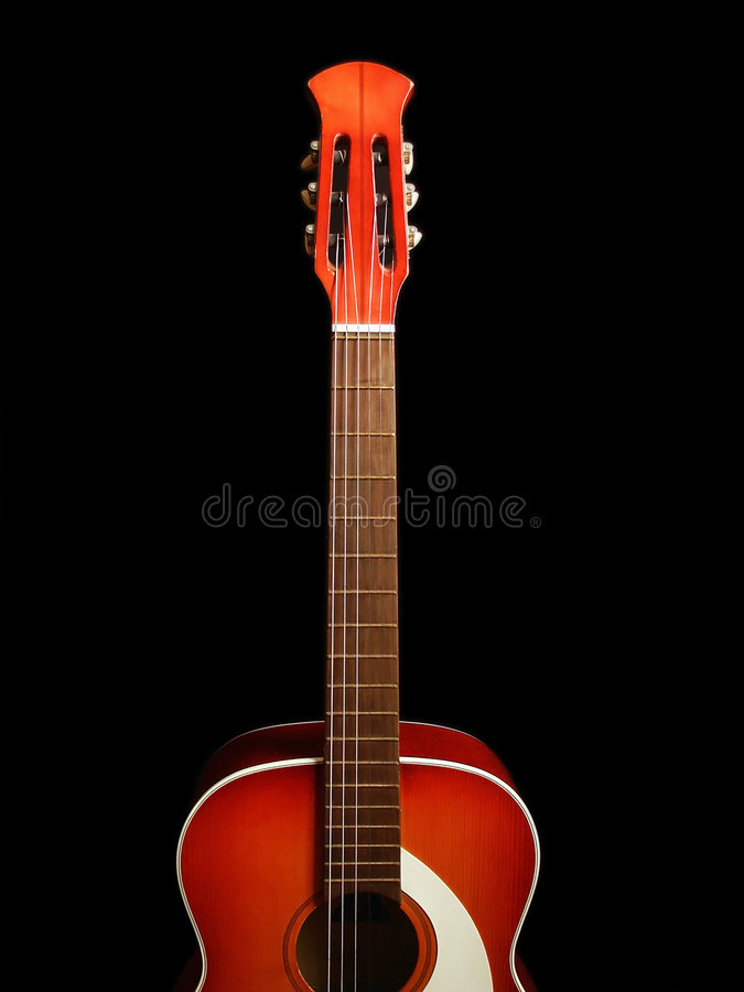 Guitare acoustique sur le fond noir 5 photo libre de droits