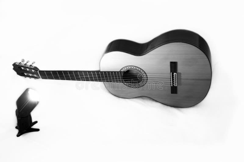 Guitare classique et éclair professionnel Pékin, photo noire et blanche de la Chine photographie stock libre de droits