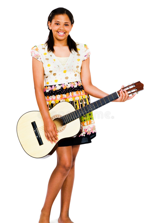 guitare de fille jouant la verticale d'adolescent image libre de droits