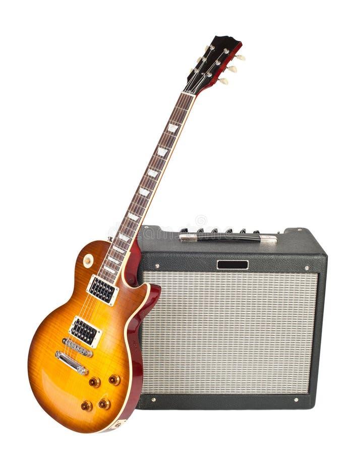 Guitare et amplificateur image stock
