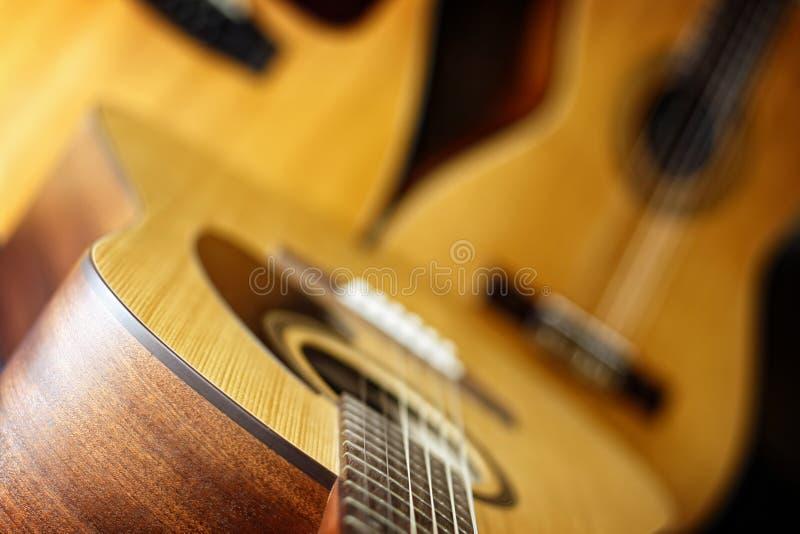 guitares acoustiques trois image stock