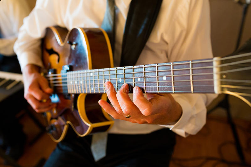 Guitarist At Wedding royalty free stock images