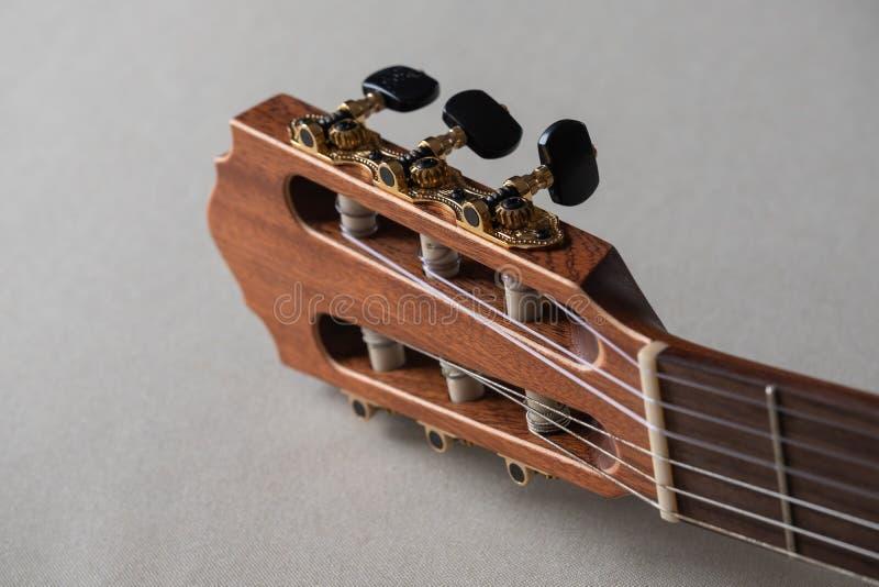 Guitarra acústica do Headstock fotos de stock