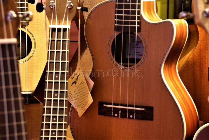 Guitarra clássica do close-up bonito imagem de stock