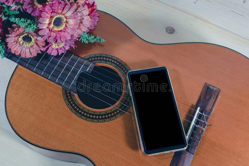 Guitarra del juego y foto de archivo libre de regalías
