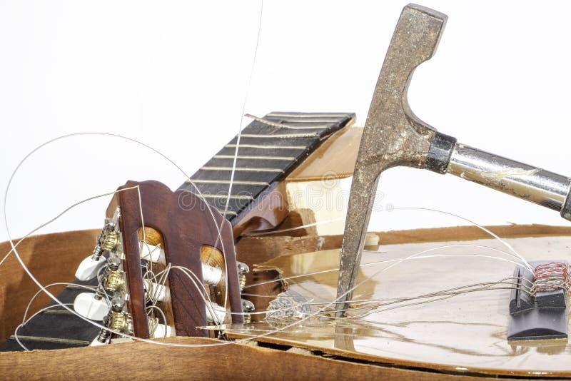 Guitarra despedaçada fotografia de stock