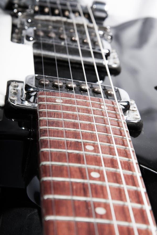 Guitarra elétrica branca fotografia de stock