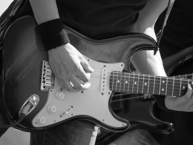 Guitarrista na fase foto de stock