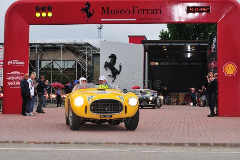 Gul Ferrari 225 S Vignale spindel royaltyfria foton