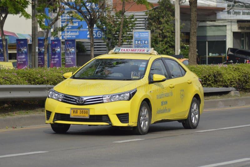 Gul thailändsk taxi fotografering för bildbyråer
