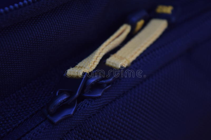 gul zipper royaltyfri bild