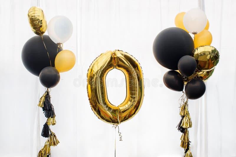 Guld- ballong för nummer noll royaltyfria bilder