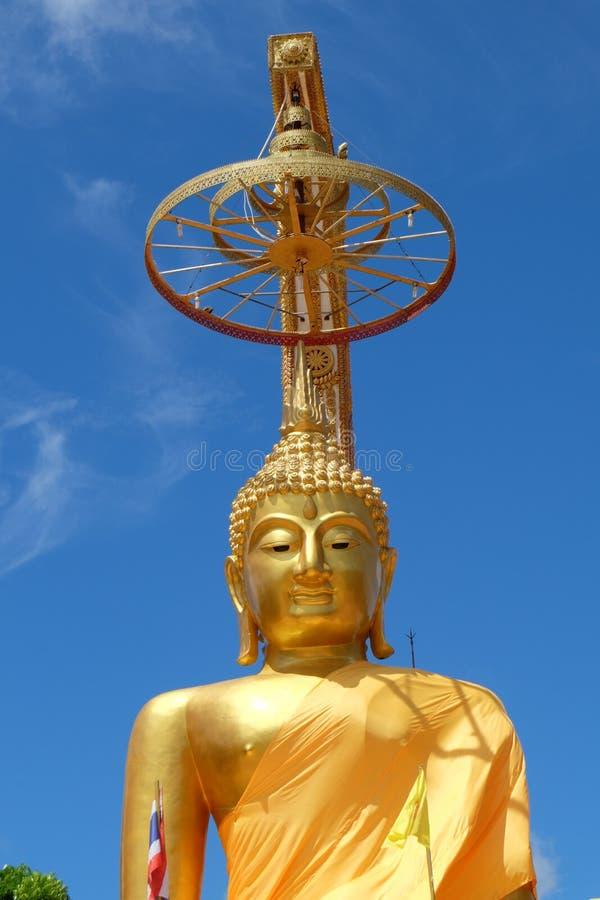 Guld- buddha kroppsstorlek arkivfoto