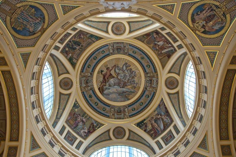 guld- cupoladetalj arkivbilder