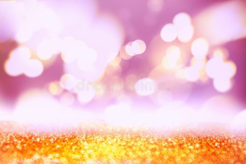 Guld- festlig julbakgrund Färgrik suddig textur Abstrakt begrepp blinkade ljus bakgrund med defocused guld- ljus för bokeh royaltyfri illustrationer