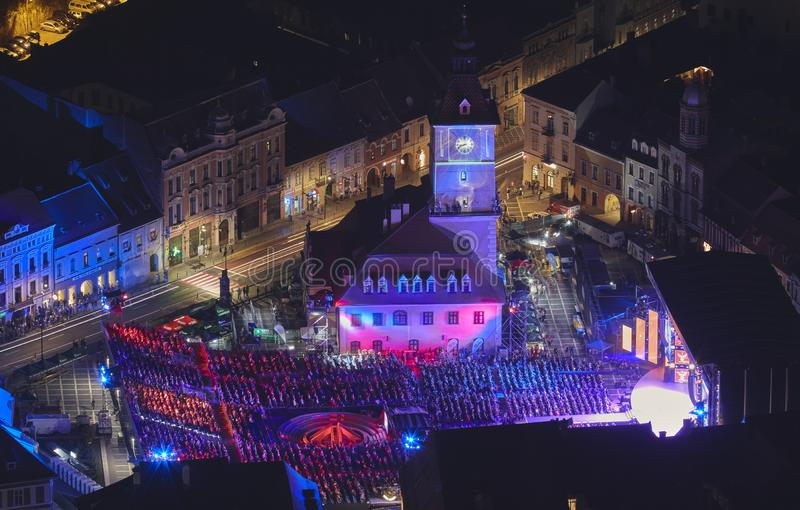 2018 guld- Fullvuxen hankronhjort Cerbul de Aur Internationell festival på 50th royaltyfria foton