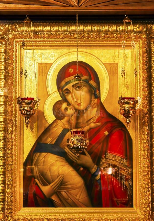 Guld- helgonBarbara Icon Basilica Saint Michael domkyrka Kiev Ukraina royaltyfria bilder
