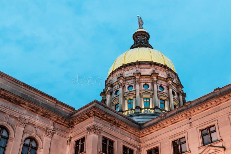 Guld- kupol av Georgia Capitol fotografering för bildbyråer