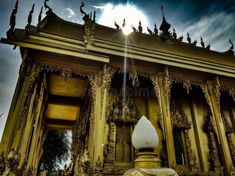 Guld- lopp för tempel arkivbild