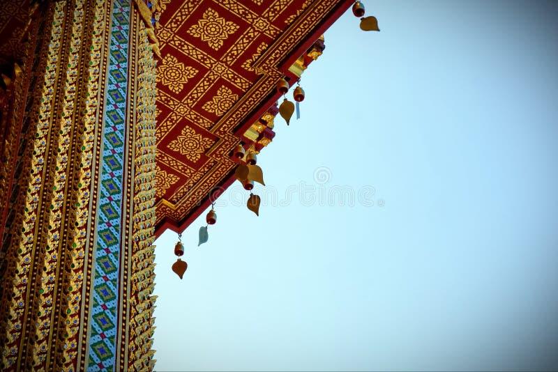 Guld- pagod i templet royaltyfri fotografi