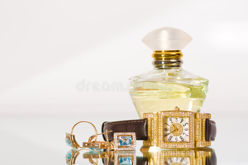 guld- smyckendoft arkivfoton