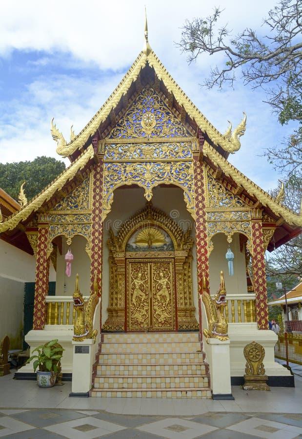 Guld- tempel i Chiangmai arkivfoton