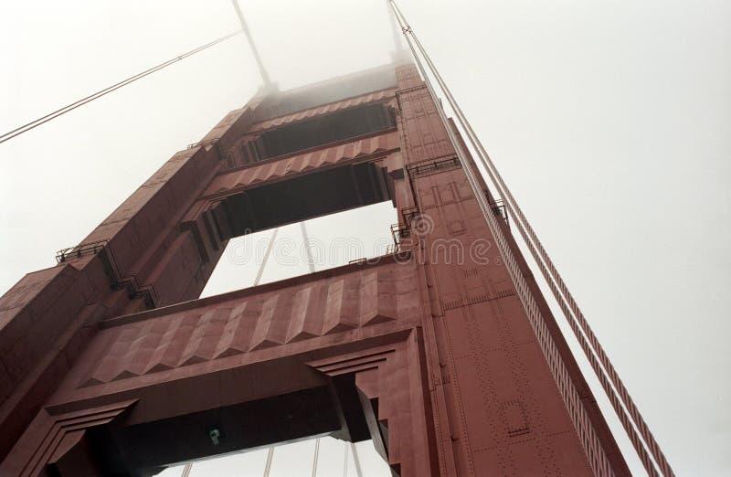 guld- torn för port arkivfoto
