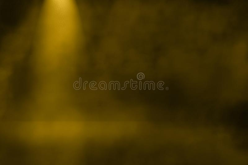 Guldgulingstrålkastaren som skiner i inre rum 3d, förlöjligar upp produktskärmdesign vektor illustrationer