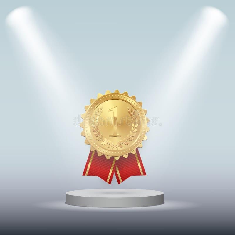 Guldmedaljen med det röda bandet som isoleras på det vita podiet under fläck, tänder den lätta designen redigerar elementet till  vektor illustrationer