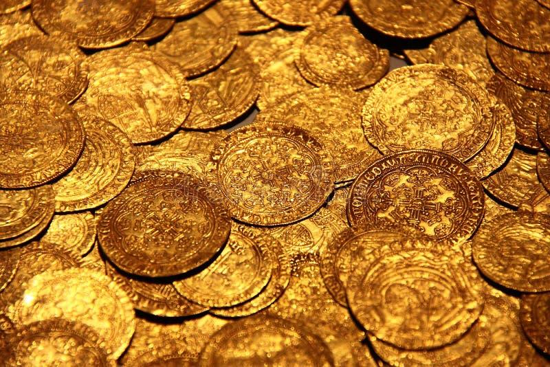 guldskatt royaltyfri bild