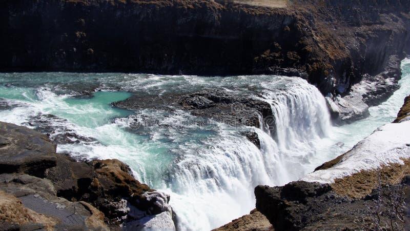Download Gullfoss Groen Water In Ijzige Waterval Stock Foto - Afbeelding bestaande uit beeld, daling: 39106688