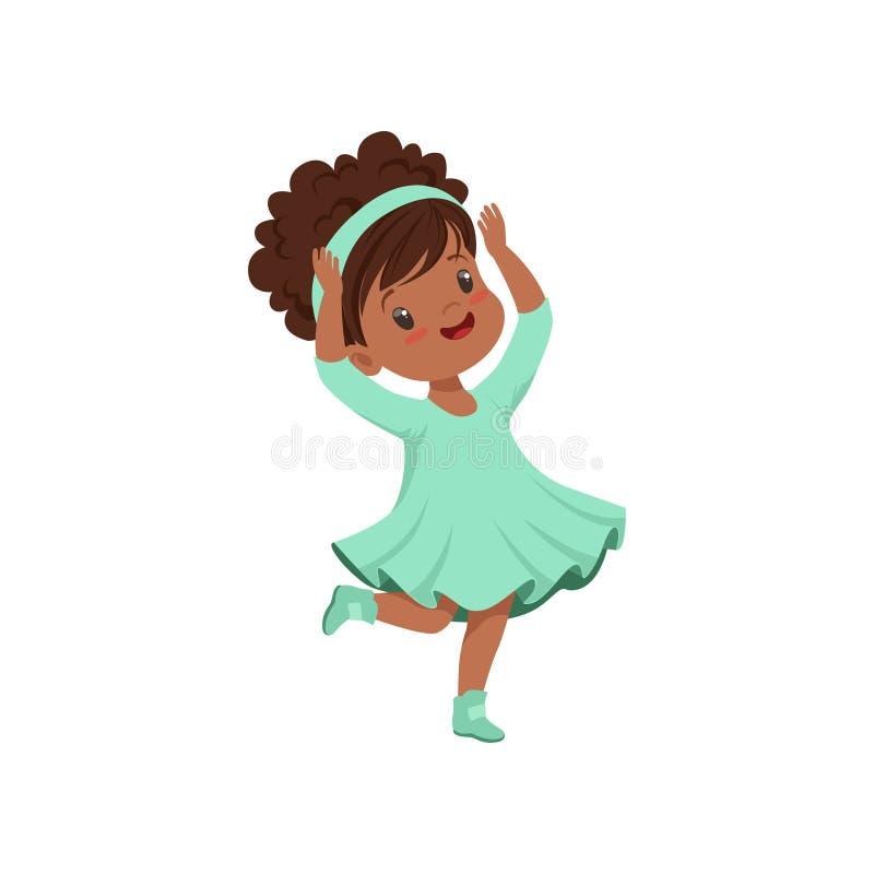 Gullig afrikansk amerikanliten flickadans i ljus - blå klänningvektorillustration på en vit bakgrund stock illustrationer