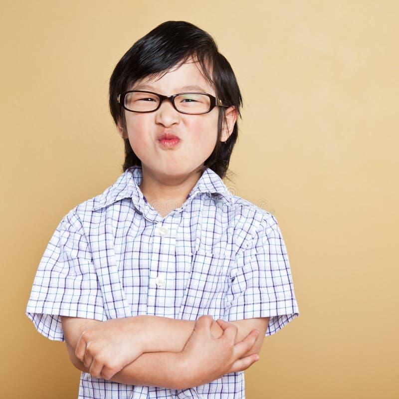 gullig asiatisk pojke arkivfoton
