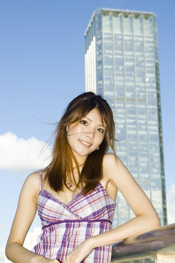 gullig flicka för kinesisk stad royaltyfri bild