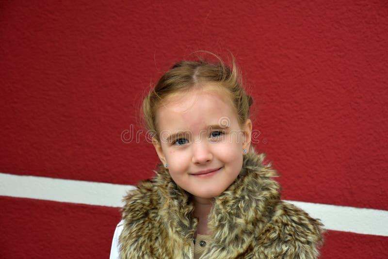 gullig flicka little royaltyfri fotografi